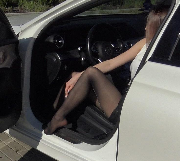 pantyhose-legs-model-mini-dress-super-legs-baner-mobilny-min 2-min