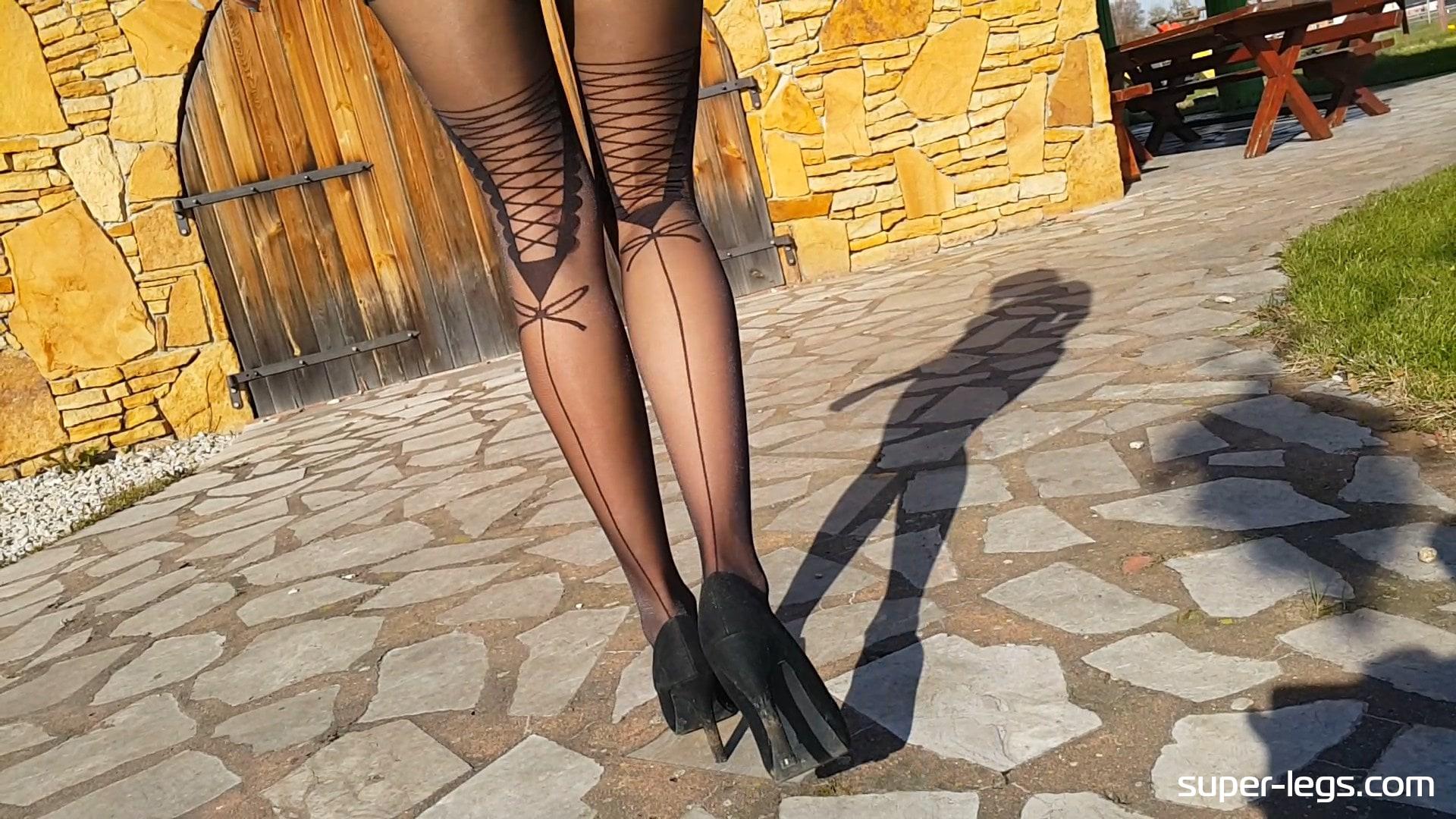 super pantyhose legs sunny day148av-min